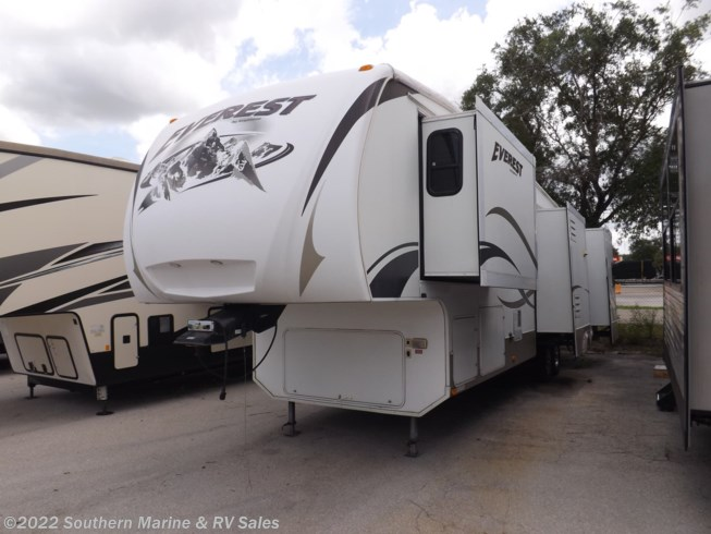Used 2008 Keystone Everest 348R available in Ft. Myers, Florida