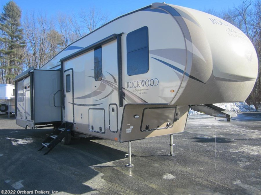 2018 Forest River Rockwood Signature Ultra Lite 8290BS