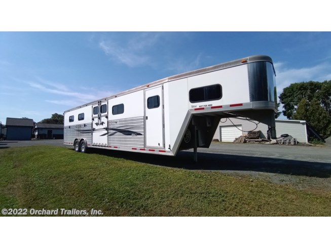 2004 CM Trailers 6-Horse - Used Horse Trailer For Sale by Orchard Trailers, Inc. in Whately, Massachusetts