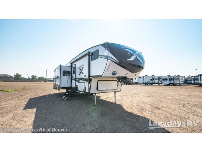 New 2021 Coachmen Chaparral X-Lite 284X available in Aurora, Colorado