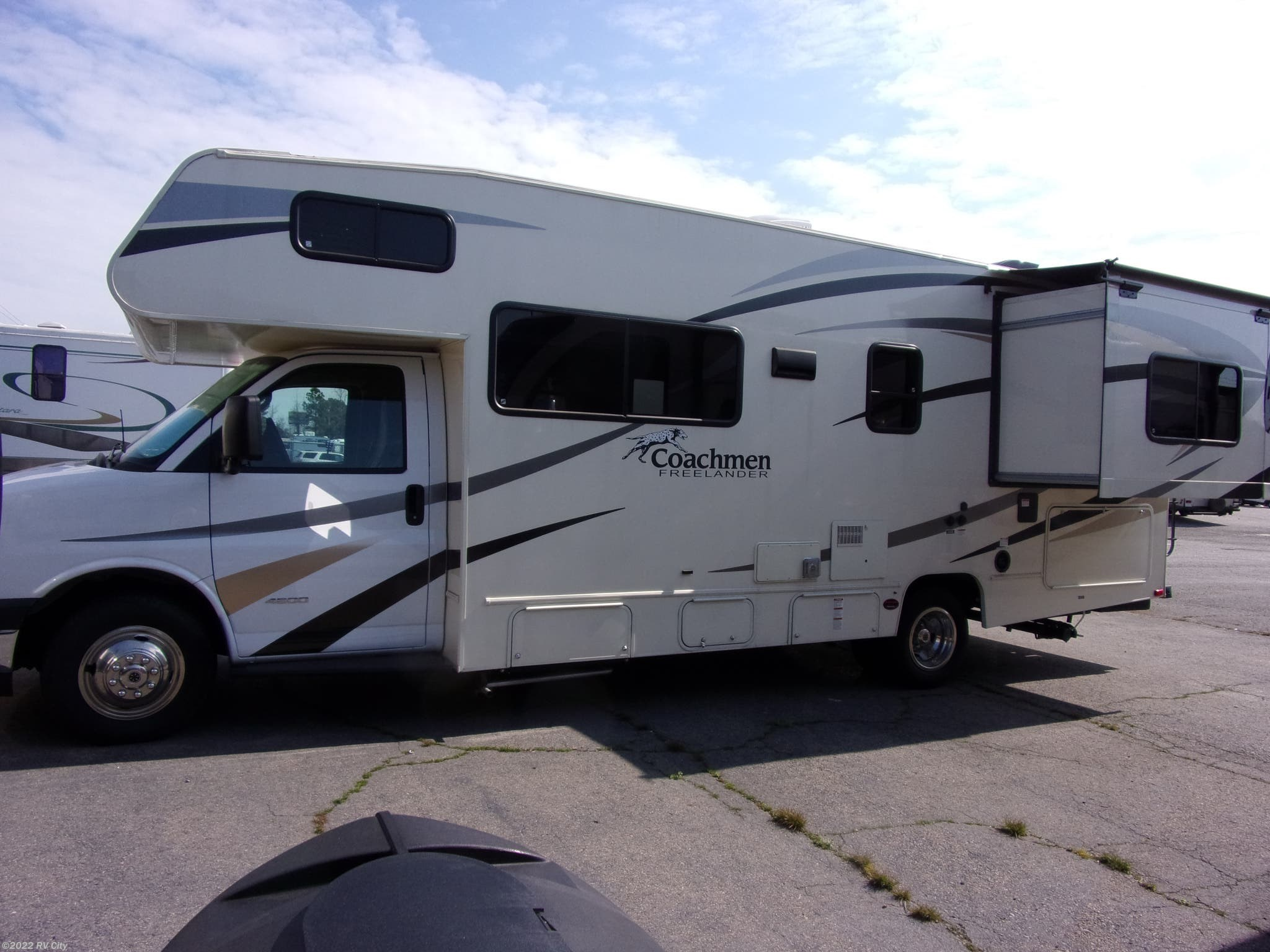 FR6136 - 2018 Coachmen Leprechaun 319MB