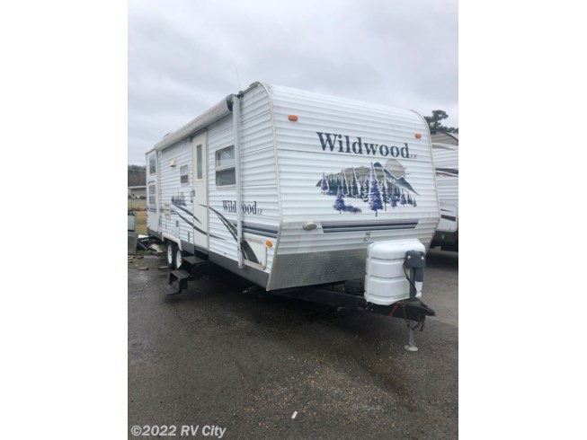 2006 Forest River Wildwood 27BHSS