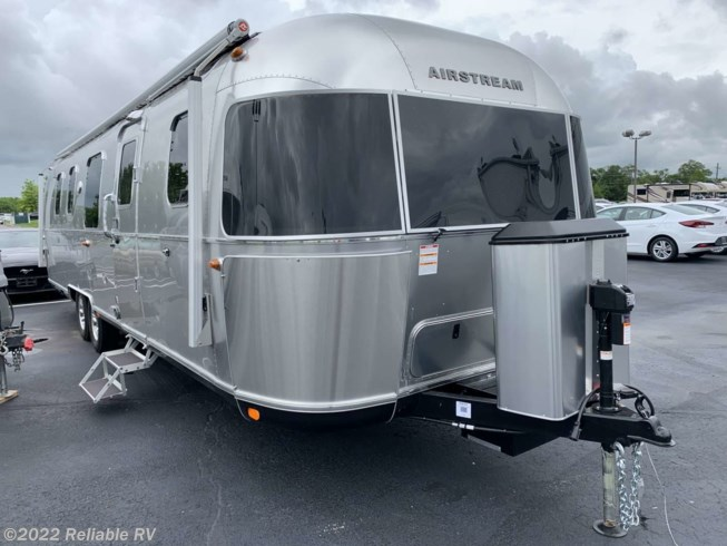 New 2020 Airstream Classic 33FB available in Springfield, Missouri