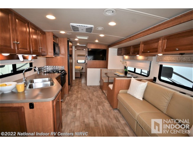 2018 Vista 32YE by Winnebago from National Indoor RV Centers in Lewisville, Texas