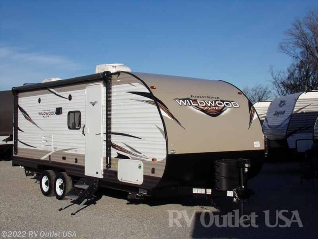 2018 Forest River Wildwood X-Lite 230BHXL