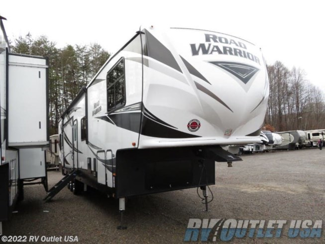 2019 Heartland  Road Warrior 427 RW