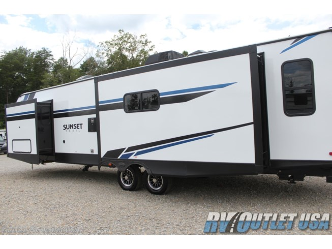 2021 Sunset Trail 330SI by CrossRoads from RV Outlet USA in Ringgold, Virginia