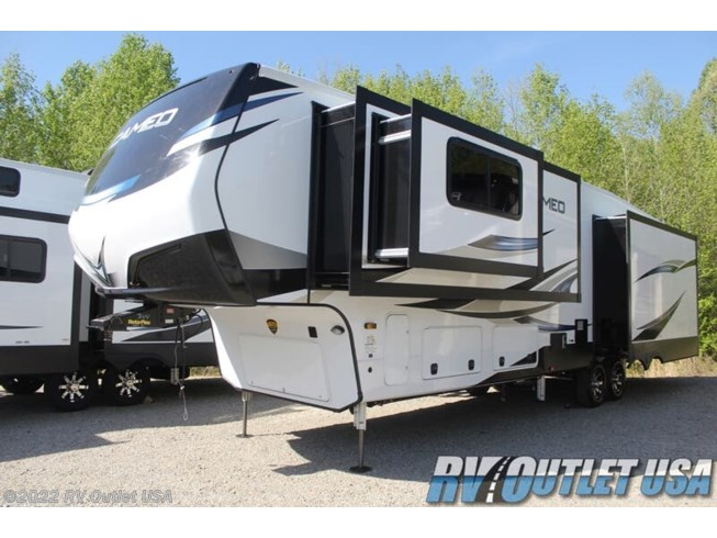 2021 CrossRoads Cameo 3891MK - New Fifth Wheel For Sale by RV Outlet USA in Ringgold, Virginia features DVD Player, Island Kitchen, LED Lights, Residential Refrigerator, Bluetooth Stereo