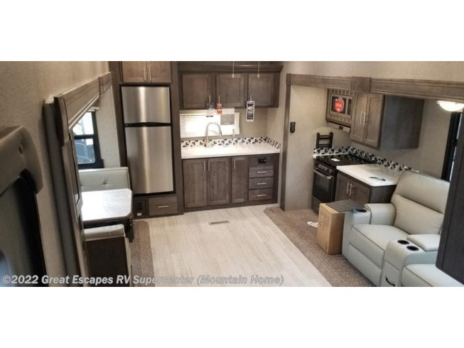 2019 Forest River Rockwood Signature Ultra Lite 8290BS - New Fifth Wheel For Sale by Great Escapes RV Supercenter in Gassville, Arkansas