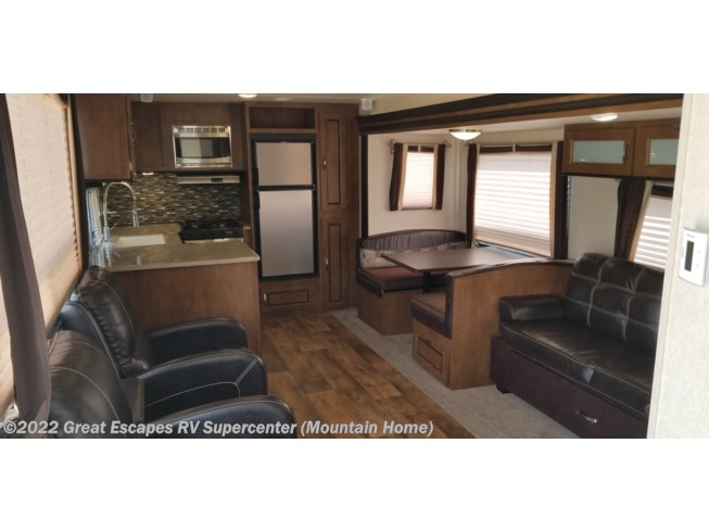 2017 Forest River Wildwood 27RKSS - Used Travel Trailer For Sale by Great Escapes RV Supercenter in Gassville, Arkansas