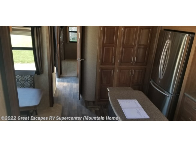 2016 Keystone Montana 3711 FL - Used Fifth Wheel For Sale by Great Escapes RV Supercenter in Gassville, Arkansas