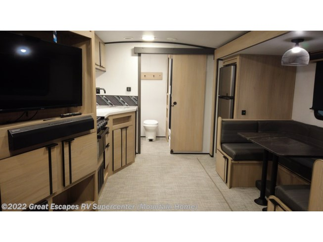 2021 Cruiser RV Radiance Ultra Lite R-26KB - New Travel Trailer For Sale by Great Escapes RV Supercenter in Gassville, Arkansas