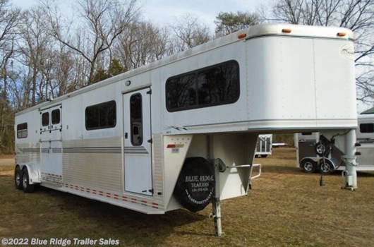 "4 Horse Trailer - 2000 Sundowner 4 H Head to Head 7'6""x6'9"" Double Rear Doors available Used in Ruckersville, VA"