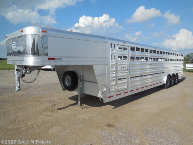 2019 Platinum Coach 32' Stock Trailer 8 wide with 3-7,000# axles