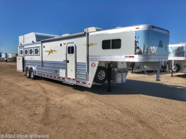"2019 Platinum Coach Outlaw 4 Horse 12' 8"" OUTLAW SIDE LOAD"