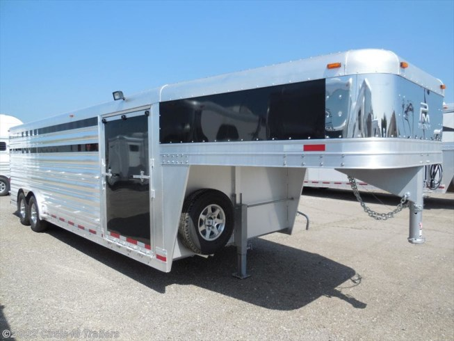 2018 Platinum Coach 24' Club Calf show trailer SLIDING GATE