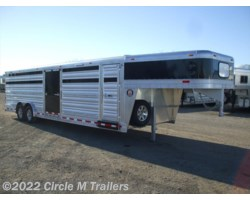 #8328STK - 2018 Platinum Coach 28' Club Calf with center ramp & sliding gate