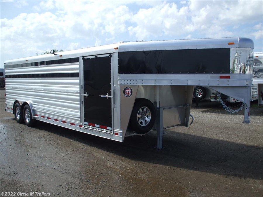 2017 Platinum Coach 24' Show Cattle Stock Special 8' WIDE