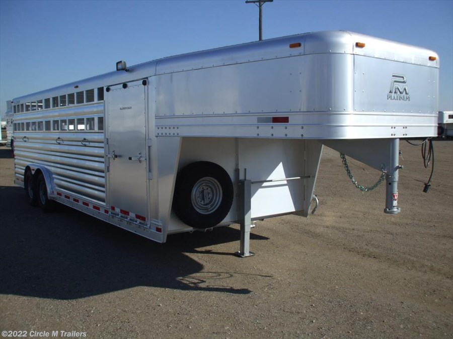 2018 Platinum Coach 24' Club Calf show trailer