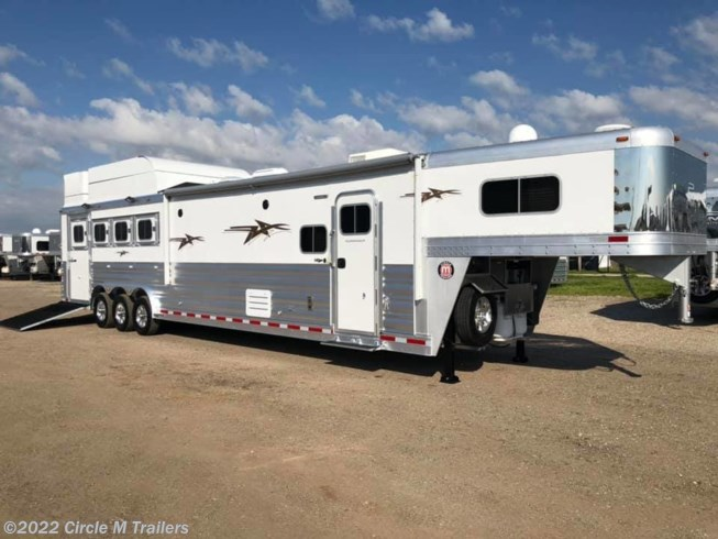 2019 Platinum Coach Outlaw 4H SIDE LOAD OUTLAW Couch and Dinette