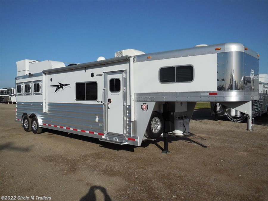 "2017 Platinum Coach Outlaw 3 horse 13' 4"" Short wall 50 AMP Onan 7.0"