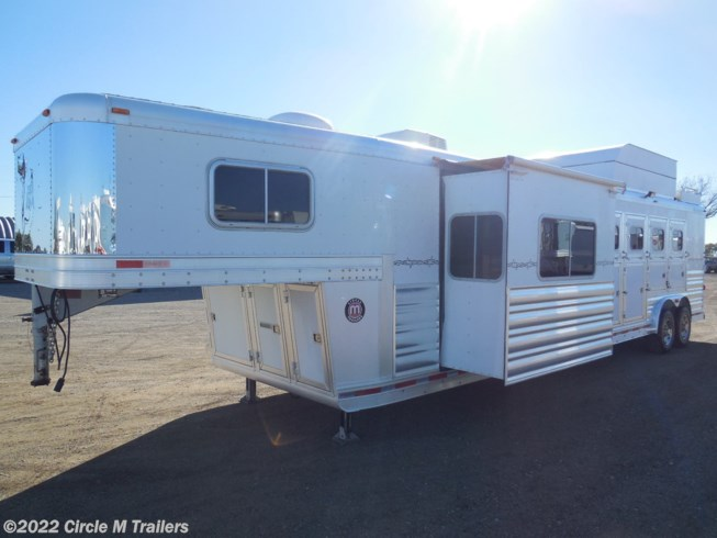 2009 Platinum Coach Outlaw 4 horse 14' SW SLIDE OUT + Outlaw...LOADED