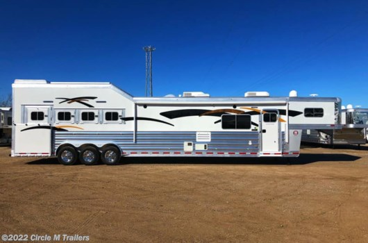 4 Horse Trailer - 2021 Platinum Coach Outlaw 4H Side load,19' SW, 50 AMP Outlaw Couch/Dinette available New in Kaufman, TX