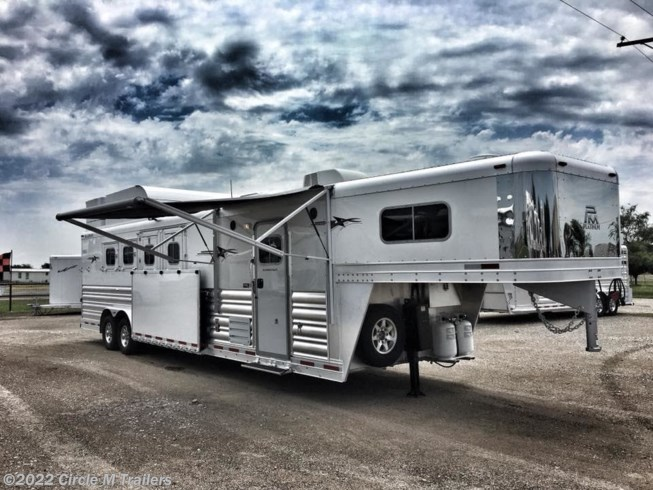 "2018 Platinum Coach Outlaw 4H Reverse w/ 12' 8"" SW Sofa + Bench"