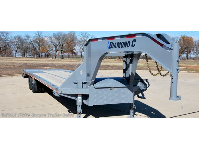 2018 Diamond C 32' GOOSENECK W/ MAX RAMPS 25.9K