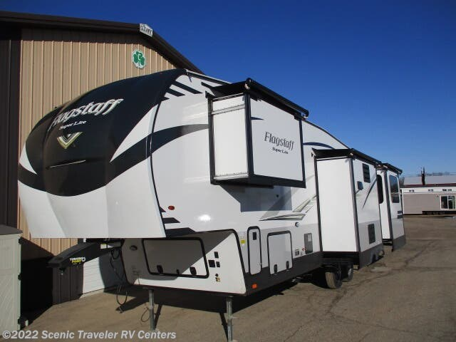2020 Forest River Flagstaff Super Lite 529RLKS - New Fifth Wheel For Sale by Scenic Traveler RV Centers in Baraboo, Wisconsin features Air Conditioning, Auxiliary Battery, Awning, CD Player, CO Detector, DVD Player, Exterior Grill, Exterior Speakers, External Shower, Fireplace, Free Standing Dinette w/Chairs, Ladder, Leveling Jacks, LP Detector, Medicine Cabinet, Microwave, Oven, Power Roof Vent, Queen Bed, Refrigerator, Rocker Recliner(s), Roof Vents, Shower, Skylight, Smoke Detector, Spare Tire Kit, Stove Top Burner, Surround Sound System, Toilet, TV, Water Heater