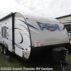 Used 2017 Forest River Wildwood X-Lite 201BHXL For Sale by Scenic Traveler RV Centers available in Baraboo, Wisconsin
