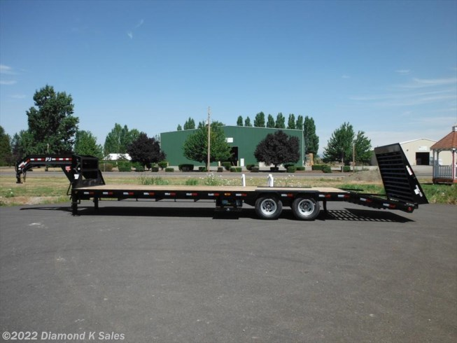 "2019 PJ Trailers Flatdeck 102"" X 32' 25K Power Tail"