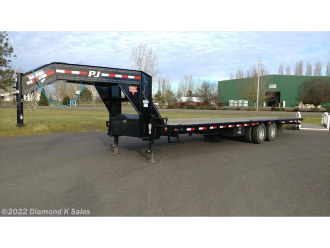 "2019 PJ Trailers Flatdeck Low-Pro 102"" X 32' Hyd. Dove"