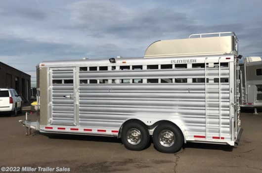 4 Head Livestock Trailer - 2017 Platinum Coach 4 Stock/Combo Bumper Pull available New in Albany, OR
