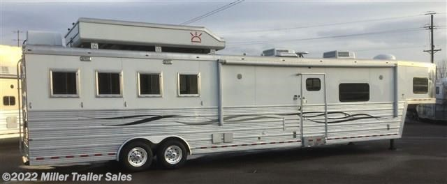 2008 Bloomer 4 Horse w/ 20' LQ by Duster w/ Slide