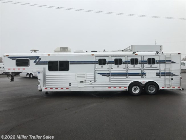 2001 4-Star 4 Horse w. 10' sw by Outlaw Conversions