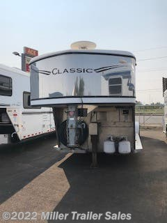 2004 Classic Trailers 3H 10' sw