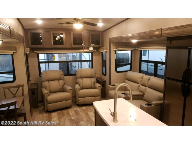 2020 Forest River Rockwood Signature Ultra Lite 8299SB - New Fifth Wheel For Sale by South Hill RV Sales in Puyallup, Washington features LCD HDTV, Awning, Pass Thru Storage, King Size Bed, Heated Underbelly