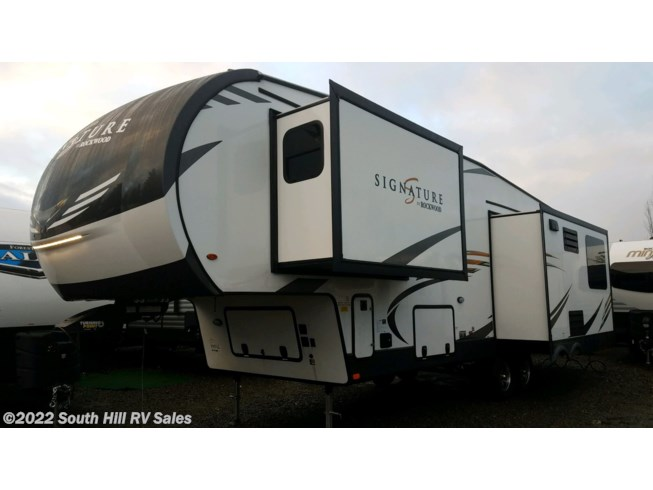 New 2020 Forest River Rockwood Signature Ultra Lite 8299SB available in Puyallup, Washington