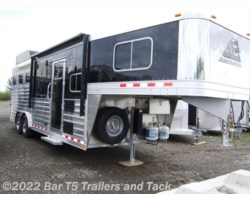 "#TGHLQ 2054 - 2017 Elite Trailers Mustang 3 Horse Gooseneck with 8'8"" Living Quarters"