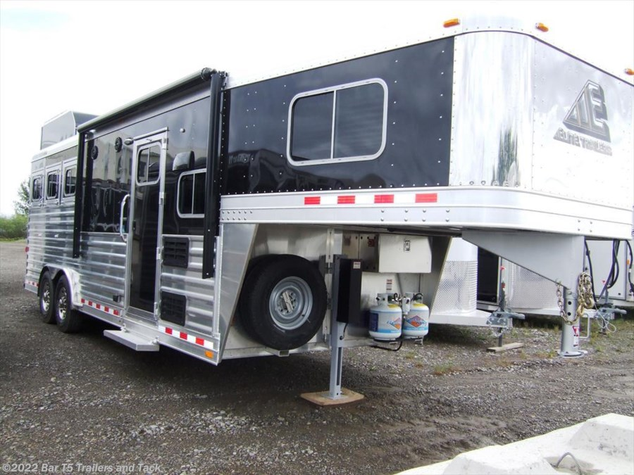 "2017 Elite Trailers Mustang 3 Horse Gooseneck with 8'8"" Living Quarters"