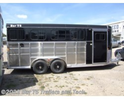#TBH 263c - 2017 Royal T Trailers Maverick Lite DX 4 Horse Angle Haul Bumper Pull