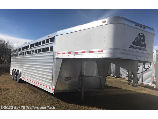 2018 Elite Trailers 8' x 30' Stock Gooseneck