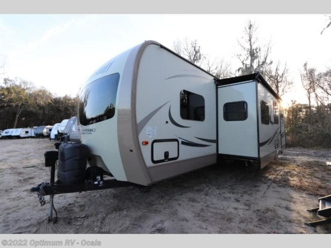 2017 Forest River Flagstaff Classic Super Lite 831BHDS - Used Travel Trailer For Sale by Optimum RV in Ocala, Florida features Slideout