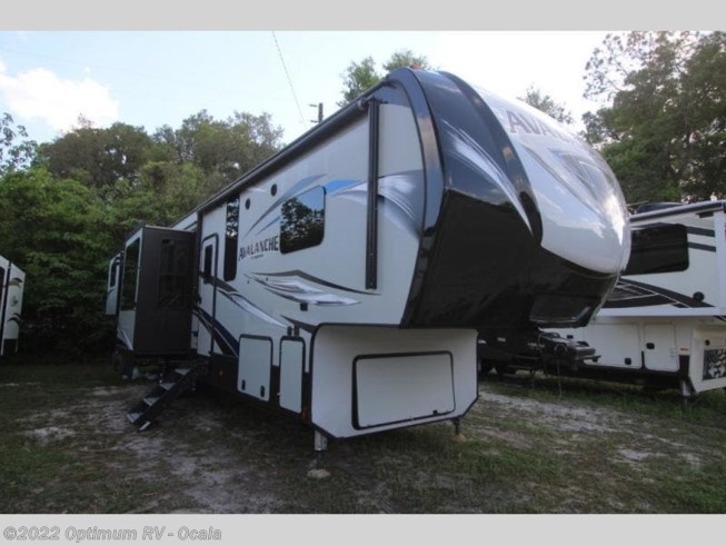 Used 2019 Keystone Avalanche 376RD available in Ocala, Florida