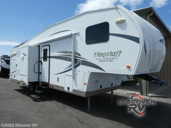 Used 2015 Forest River Flagstaff Classic Super Lite 8528CKWSA available in Lodi, California