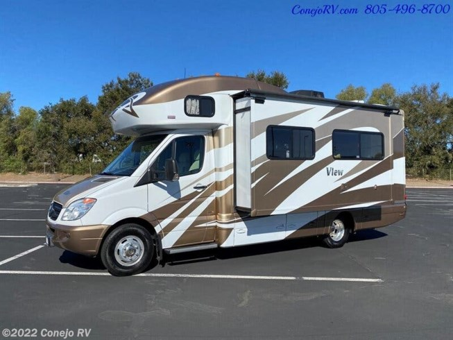 Used 2013 Winnebago View 24M available in Thousand Oaks, California