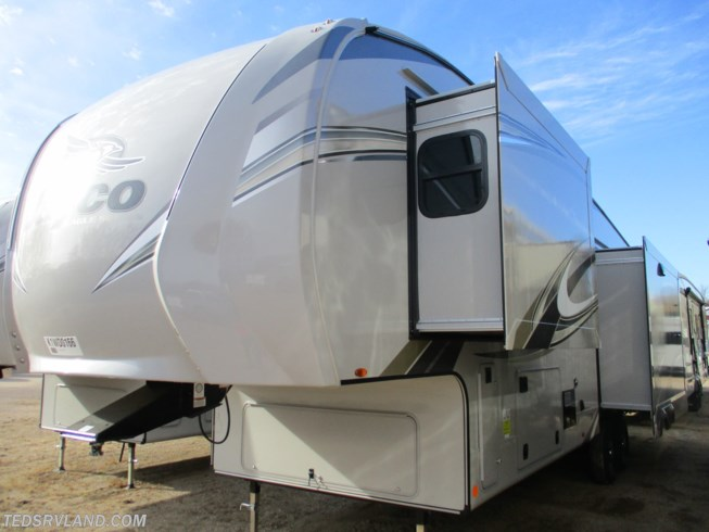 2019 Jayco Eagle 321RSTS - New Fifth Wheel For Sale by Ted's RV Land in  Paynesville, Minnesota features Air Conditioning, Auxiliary Battery, Awning, CD Player, Ceiling Fan, CO Detector, DVD Player, Exterior Speakers, External Shower, Fireplace, Free Standing Dinette w/Chairs, Hitch, King Size Bed, Ladder, Leveling Jacks, LP Detector, Medicine Cabinet, Microwave, Oven, Power Roof Vent, Refrigerator, Rocker Recliner(s), Roof Vents, Shower, Skylight, Slideout, Smoke Detector, Spare Tire Kit, Stove Top Burner, Surround Sound System, Theater Seating, Toilet, TV, Water Heater
