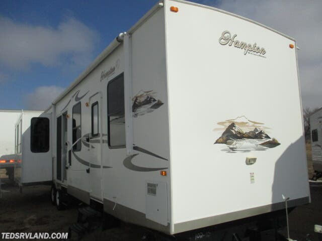 Used 2012 CrossRoads Hampton HT380CK available in  Paynesville, Minnesota