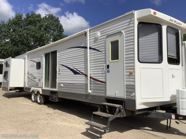 Used 2011 Jayco Jay Flight Bungalow 40 BHS available in  Paynesville, Minnesota